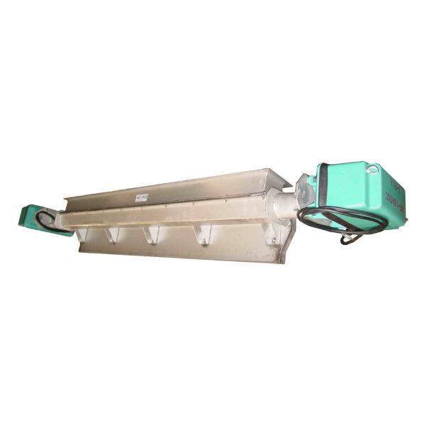 VP-strooiplaat-met-2x-trilmagneet-AViTEQ